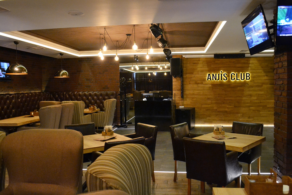 Anjis Club - Resto Bar